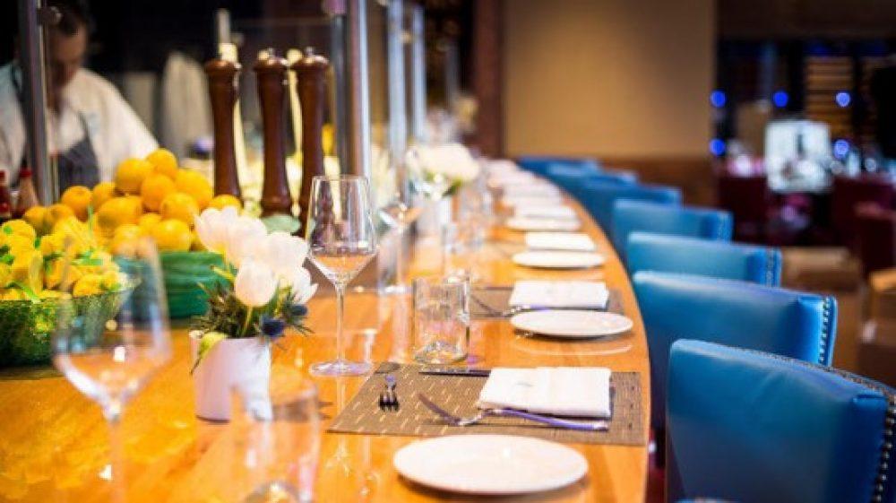 Joe Fish dining room
