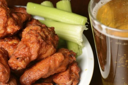 NEW YORK WING FACTORY SETS UP SHOP IN LINCOLN PARK
