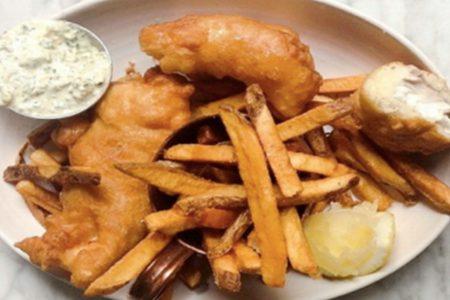 Kinmont Friday Night Fish Fry to Benefit Shedd Acquarium Throughout Lent