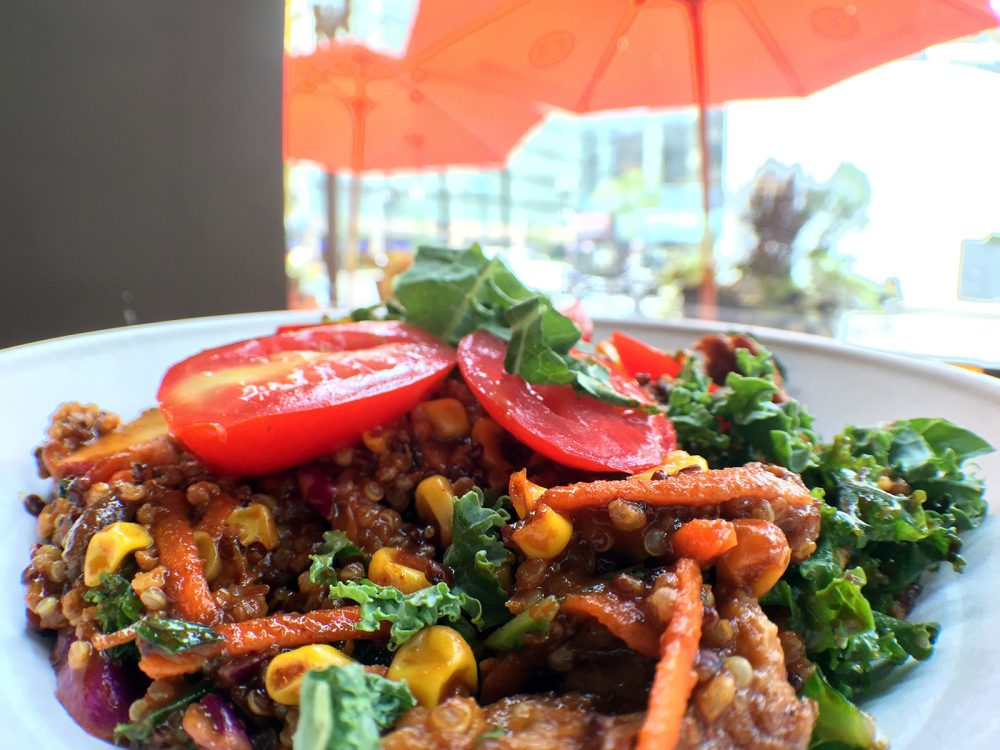 Braised barbecue beef, organic quinoa blend, roasted corn, kale slaw, grape tomatoes, radishes, and housemade Agave BBQ Sauce