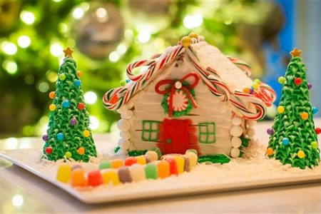 Gingerbread House Decorating at Aster Hall