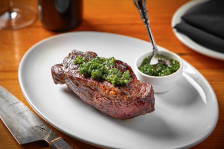 El Che Steakhouse & Bar Returns, Bringing Chicago More South American Flavor & Wine
