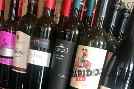 """""""National Drink Wine Day"""" Deals in Chicago"""