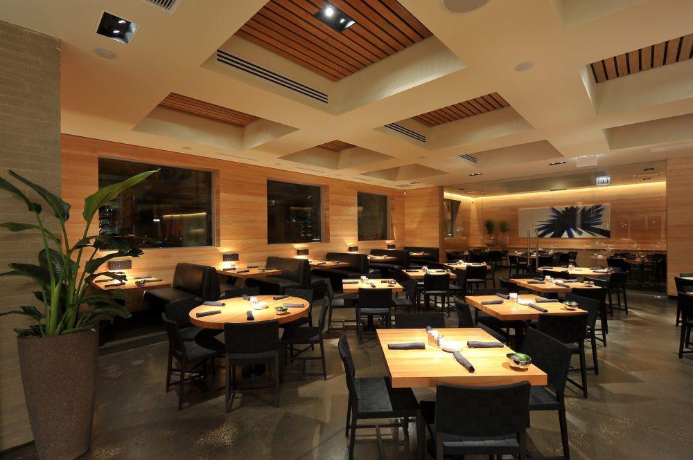 Cantina Laredo Dining Room2