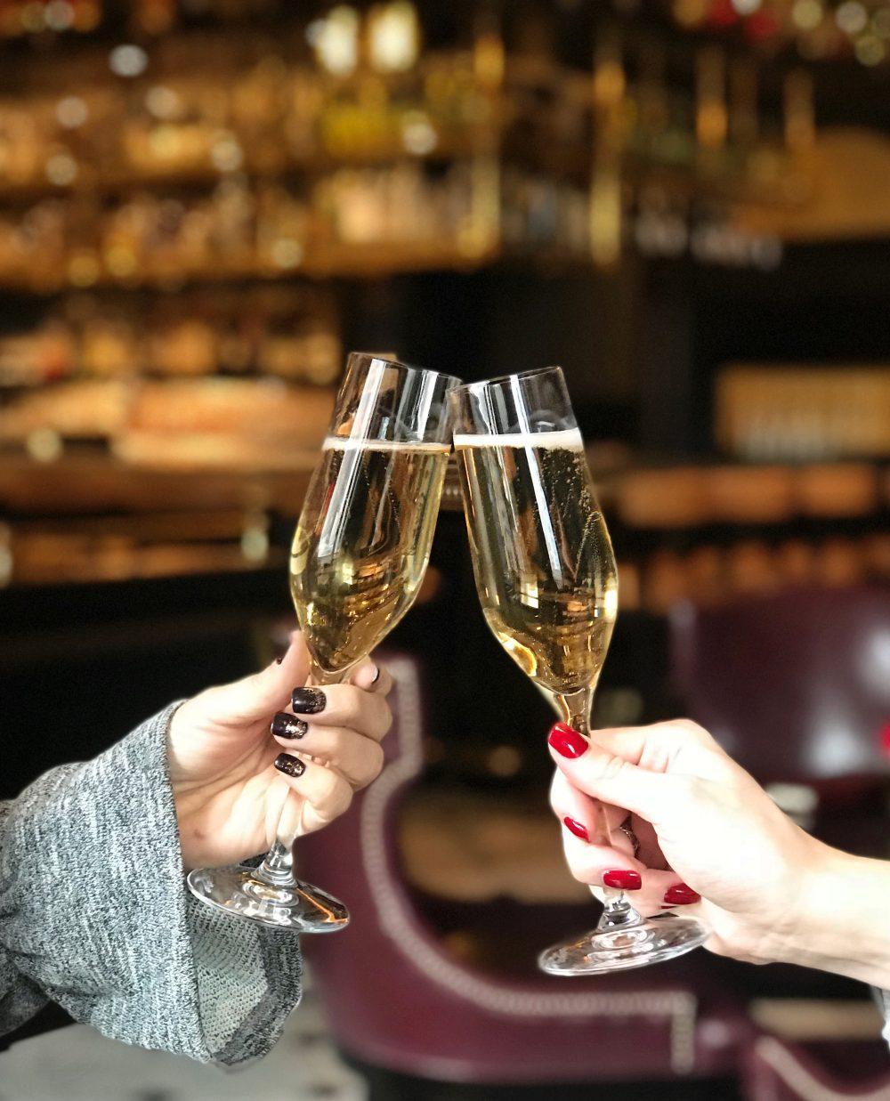 Champage Cheers