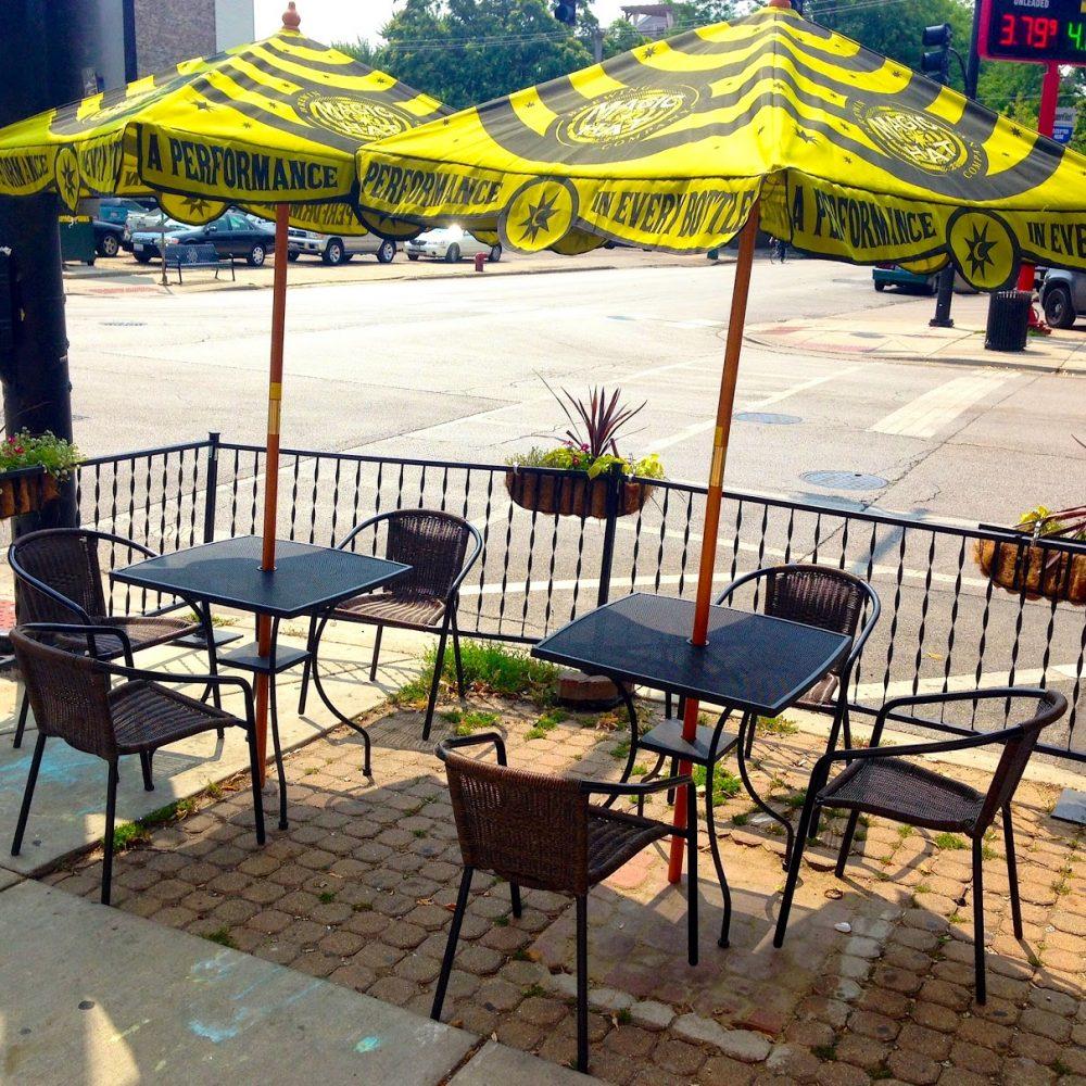 commonwealth, roscoe village, north center, drinks, brunch, dogs, dog friendly, patio, summer, chicago
