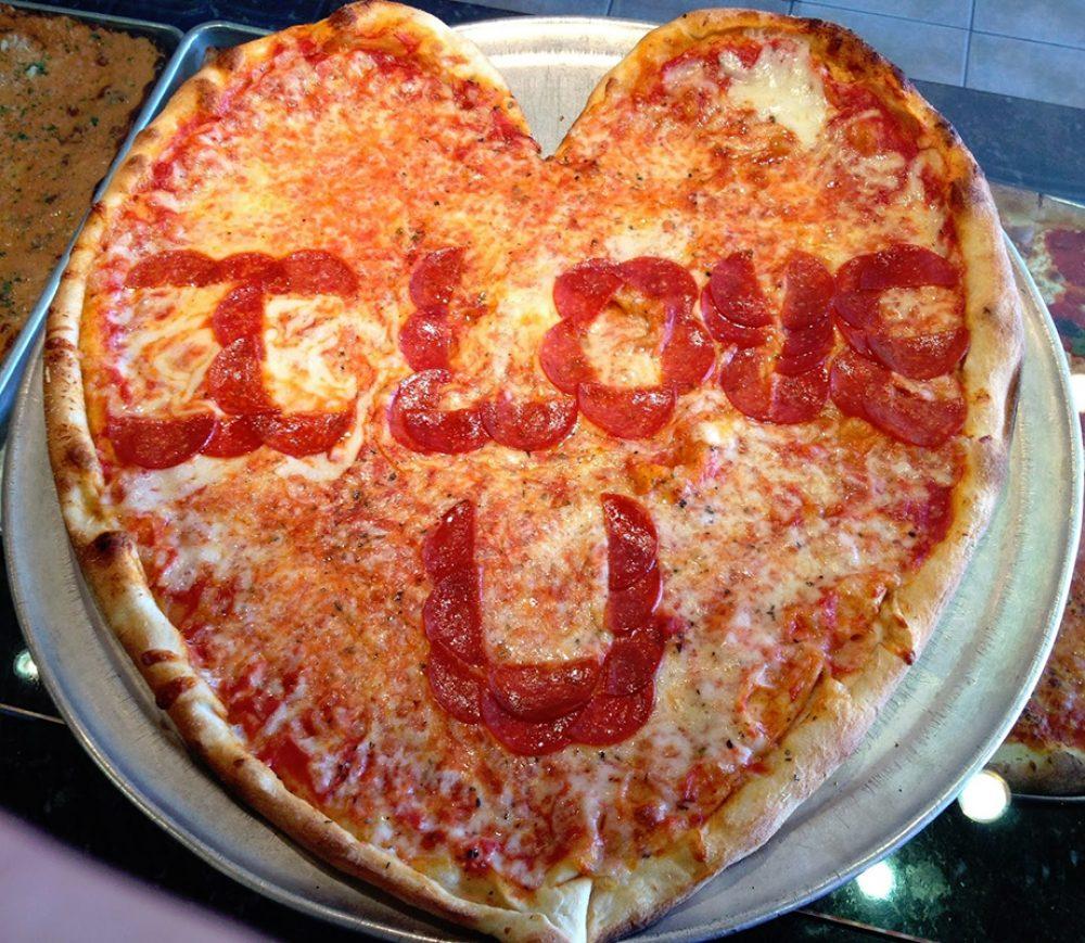 Freddies-VDAY-Pizza