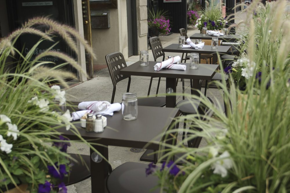patio, dining, al fresco, summer, chicago, streeterville, navy pier, andersonville, north, lakeview, wicker park, old town