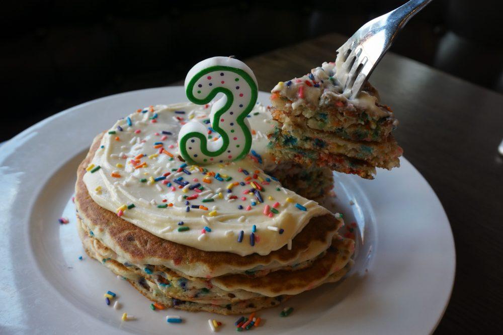 kanela pancakes