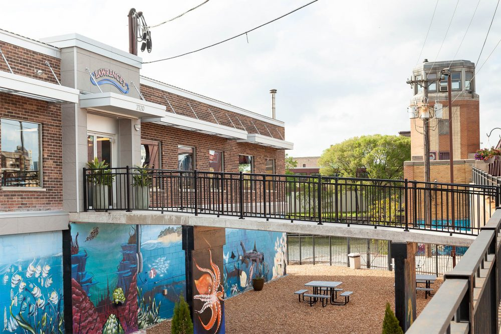 Lawrences Natl Shrimp 2019 0002 Canal St Exterior