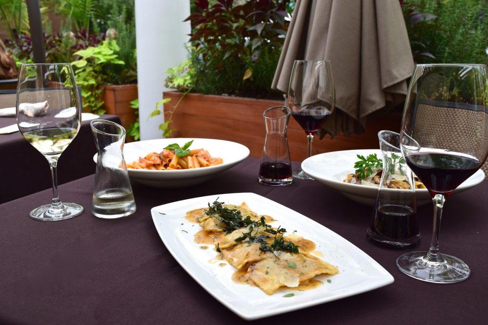 tuscany, little italy, UIC, wheeling, oak brook, italian food, dinner, drinks, wine deals,